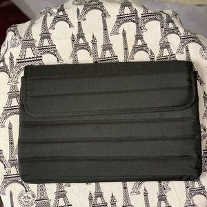 Incipio San Francisco  padded tablet sleeve NWOT